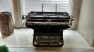 Kirjoituskone, joka löytyi ST ry:n ullakolta